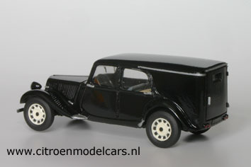 Citroën Tracton-Avant fourgonnettes TACorbillard